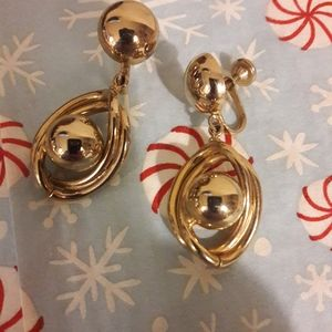 Vintage goldtone dangling screw back earrings